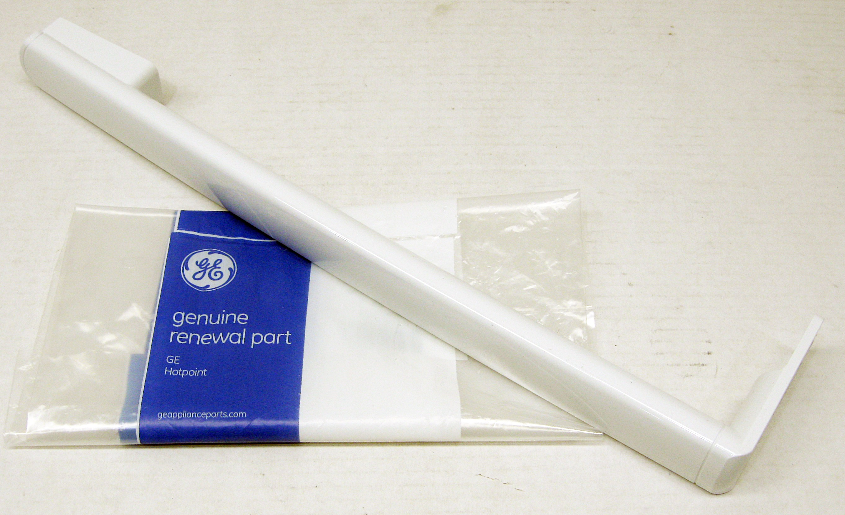 Ge Refrigerator Door Handle White Wr12x27039 Ap6037349